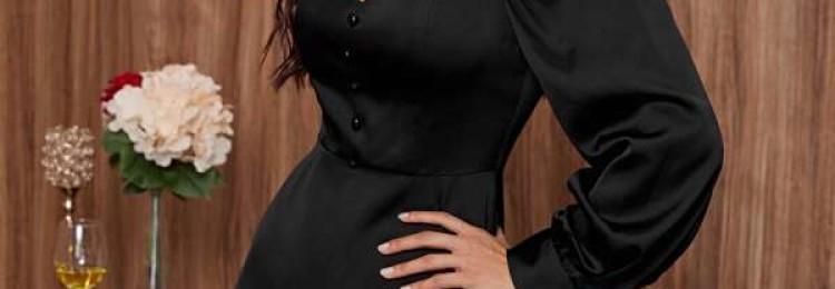 Черное короткое вечернее платье с глубоким декольте