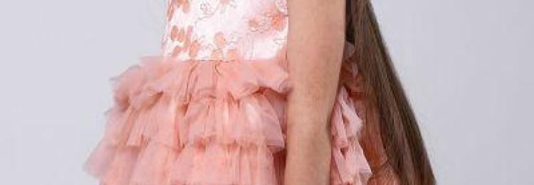 Розовое пышное платье для девочки