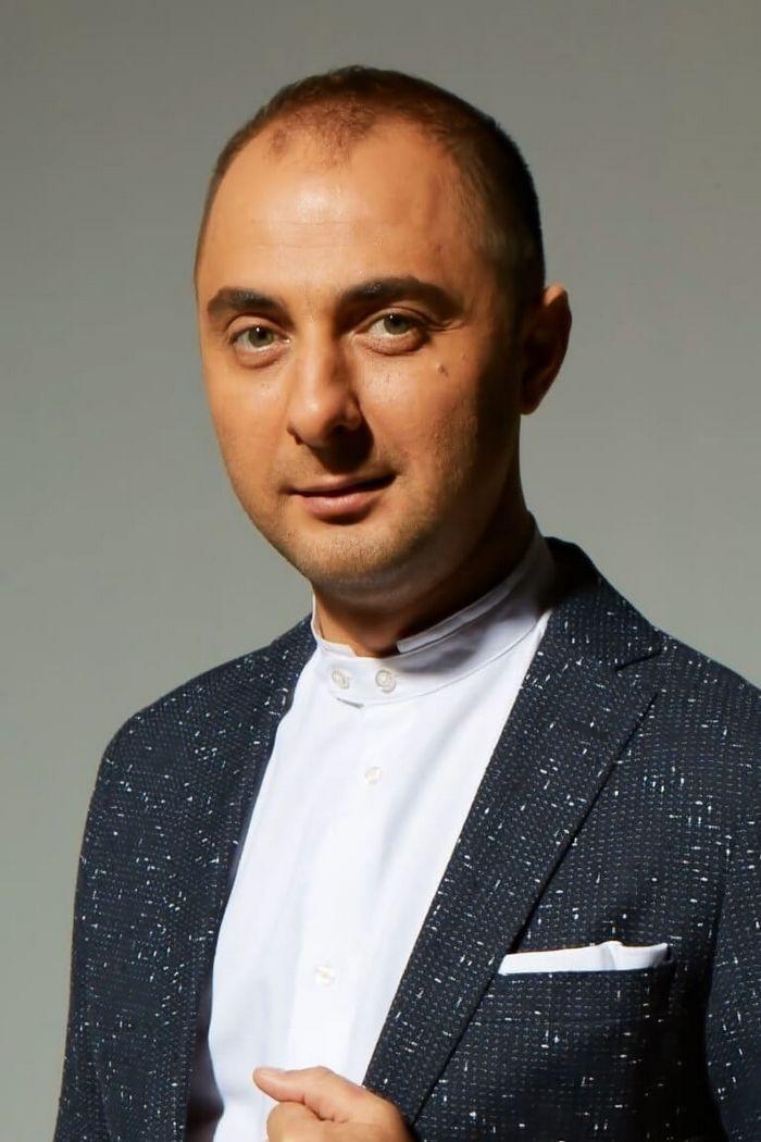 Демис Карибидис Фото